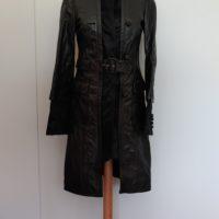Abrigo de piel de potro en negro