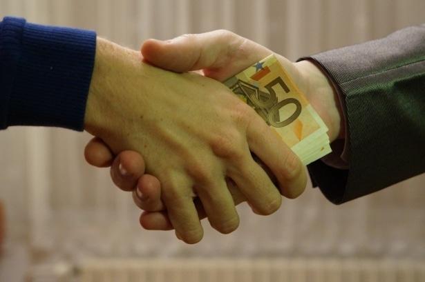 Caso real: Ética personal vs ganar dinero 1