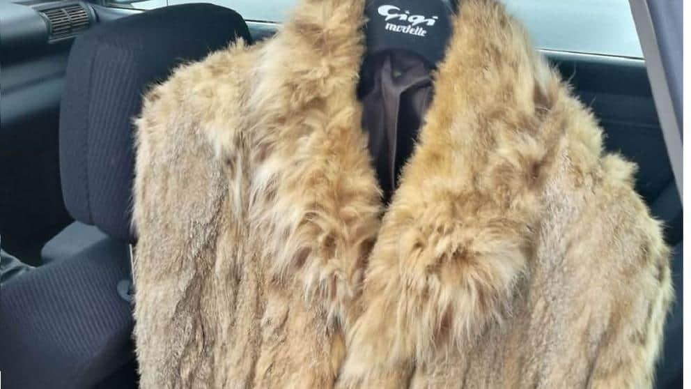 Un vecino de Ourense, 'cazado' por vender un abrigo de piel de lince